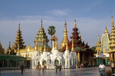 1024px-DSC014_Myanmar_Yangon_Paya_Shwédagon_Pagoda_Tazaung_Pavillon_(7181922960)